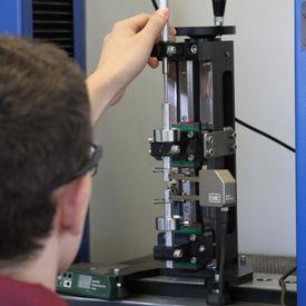 Manutenção de máquinas Emic