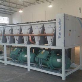 Manutenção em unidade de água gelada